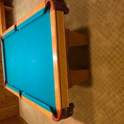 Great condition Brunswick Contender 7FT pool Table
